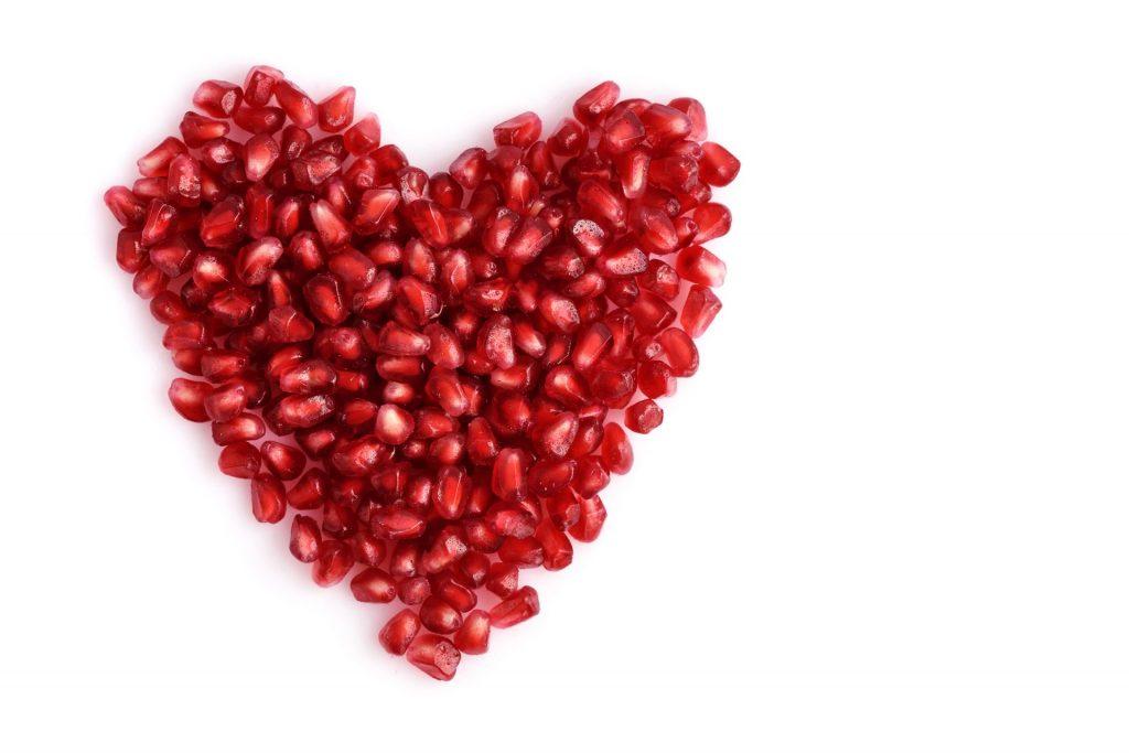 Granatapfelkerne-in-Herzform